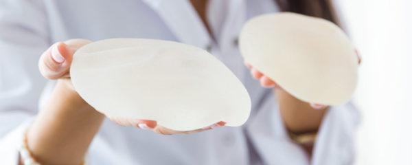 Remplacement des prothèses mammaires